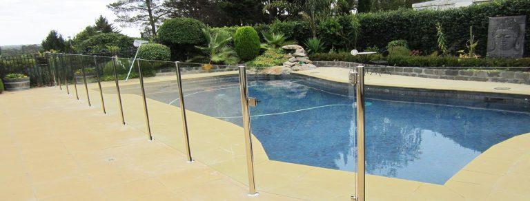 semi-frameless-glass-pool-fence-berwick-melbourne-VIC